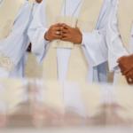 Papa pede orações pelos padres no dia de São João Maria Vianney